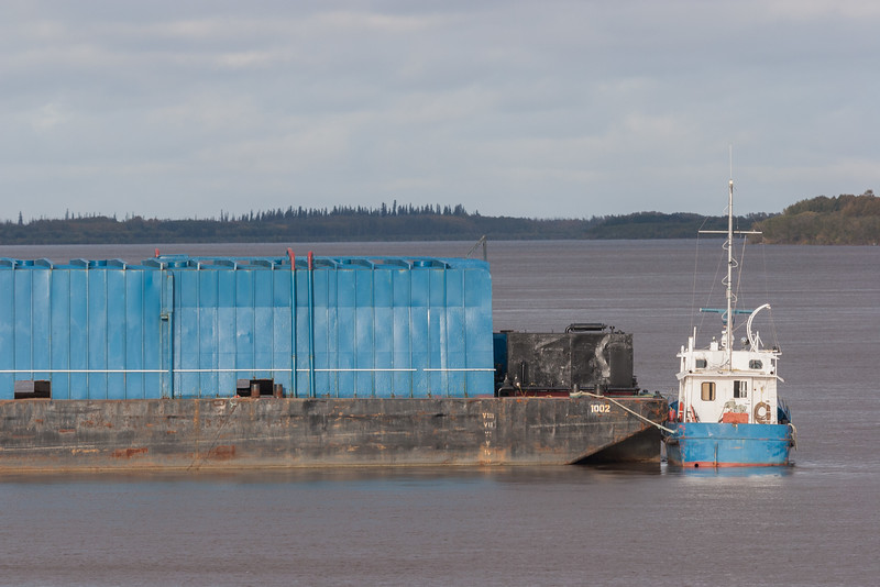 Septentrion at stern of barge 1002 in Moosonee. 2006 September 27th.