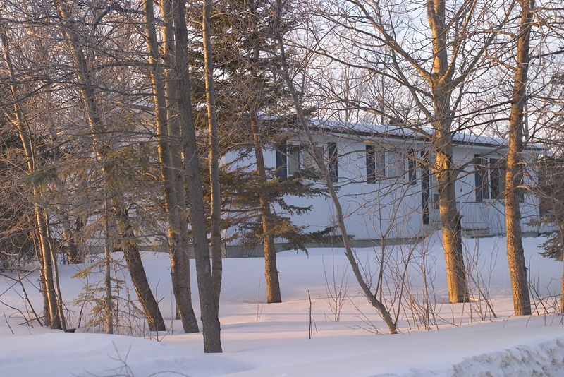 Ministry of Natural Resources staff house on Ferguson Road in Moosonee 2005 March 12. Now demolished and replaced by townhouses.