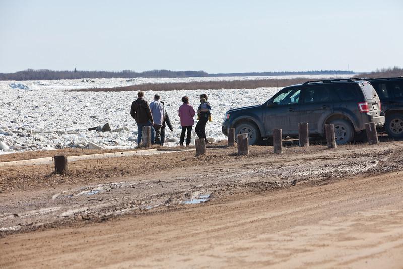 People watching the ice near Moosonee Lodge