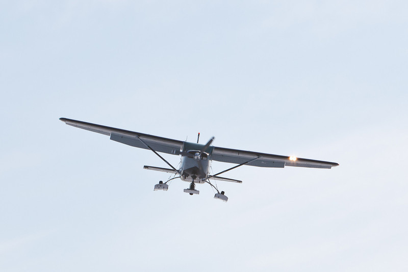 Bushland Airways C-FBGB coming in to land on the Moose River 2011 April 8th.