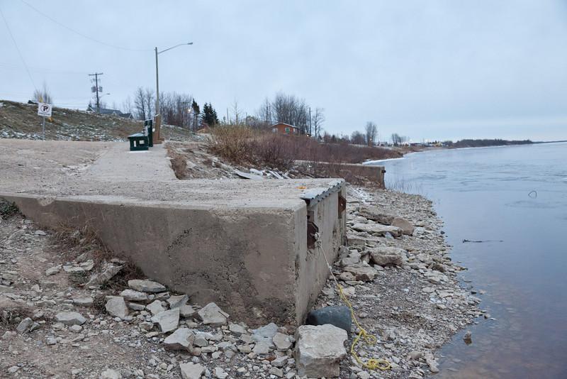 Mounting blocks for public docks.