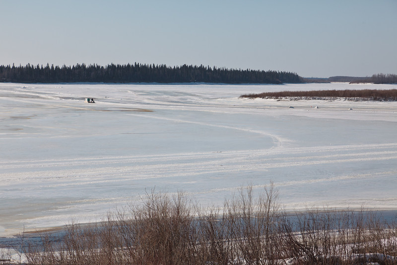 Snowmobile taxi coming from Moose Factory