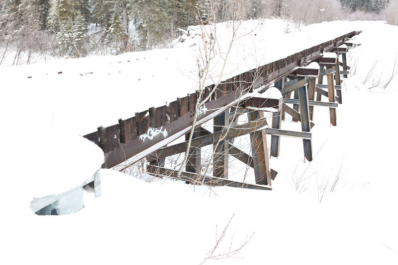 Railway bridge across Butler Creek on the way to Moosonee Airport.