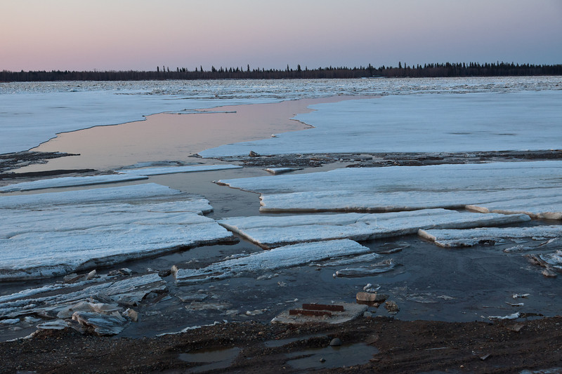 Ice sheets on the Moose River