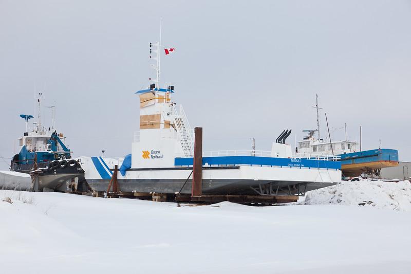 Tug Nelson River, barge Niska I and utility boat Septentrion.