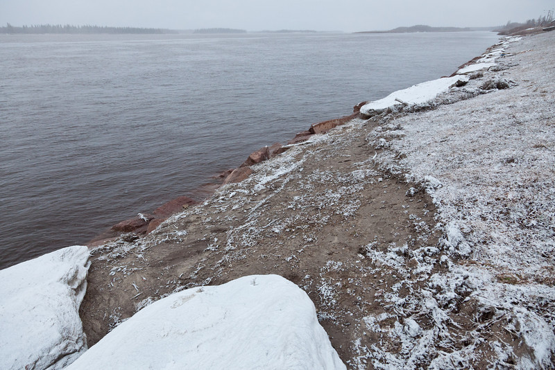 One piece os shore ice has floated away leaving a big gap 2011 May 7th
