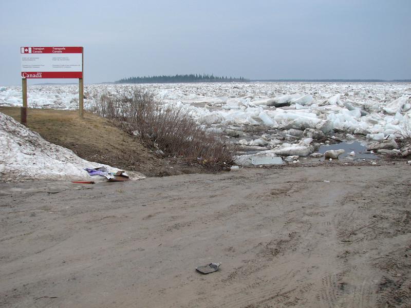 Road to public docks