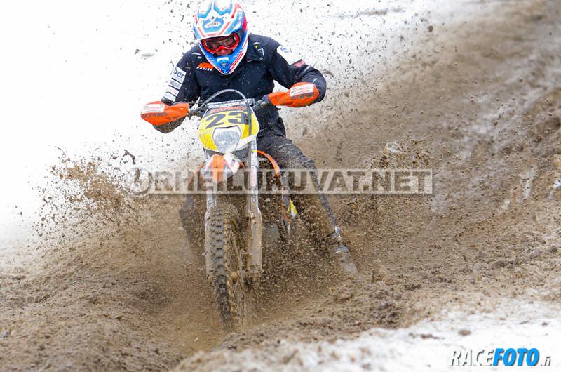 VIR_110180_racefoto