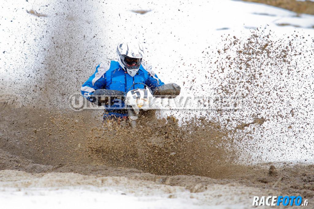 VIR_110224_racefoto