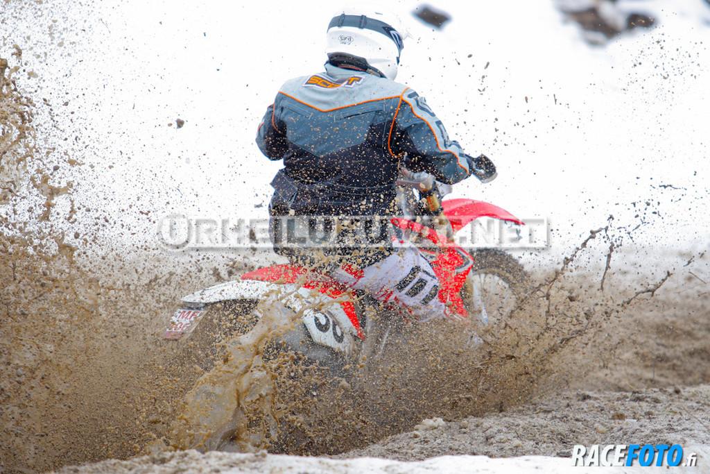 VIR_110228_racefoto