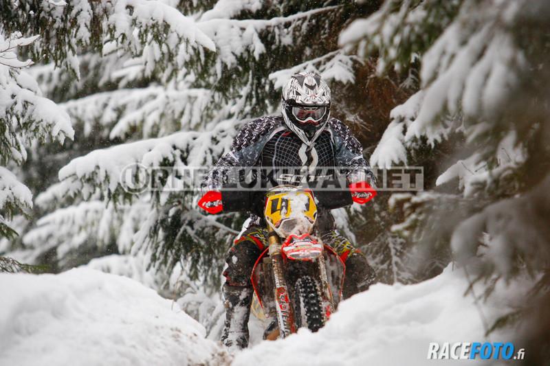VIR_111320_racefoto