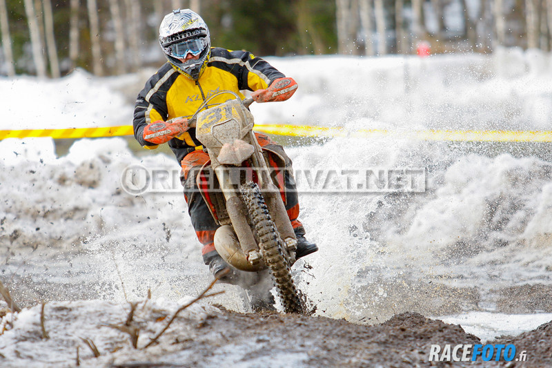 VIR_113229_racefoto