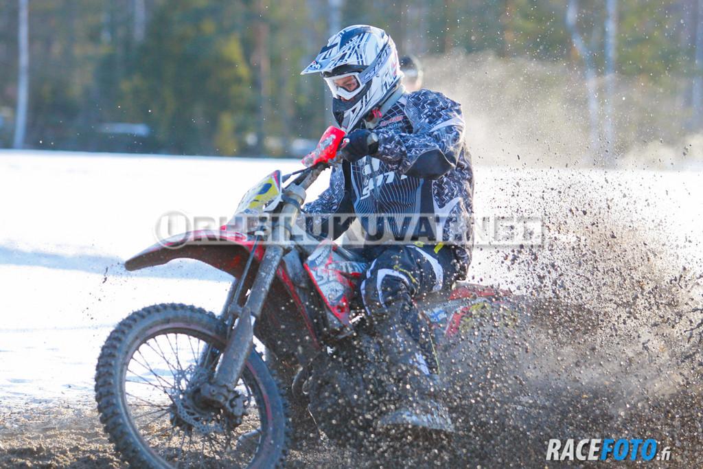 VIR_112844_racefoto