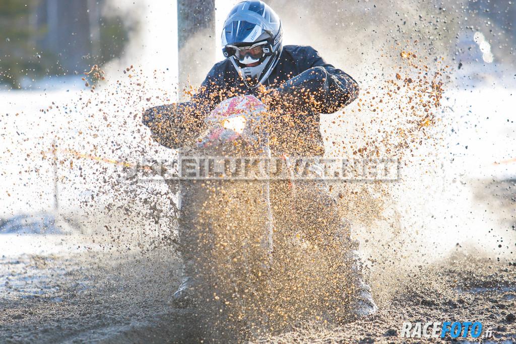VIR_112850_racefoto