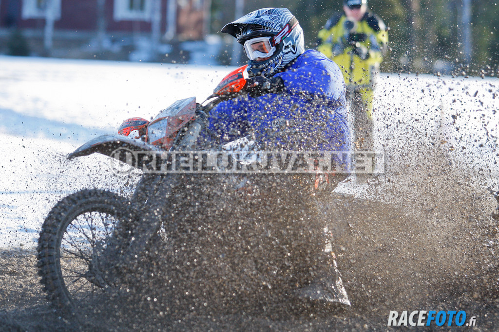 VIR_112889_racefoto