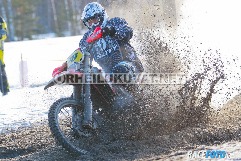 VIR_112776_racefoto