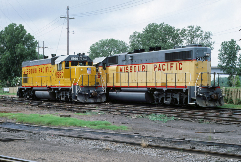 Mopac 246 - May 23 1987 - train at Ft Smith ARK