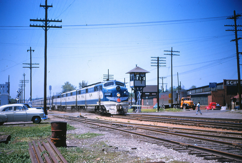 Mopac 109 - Jun 1955 - EMD 7010 70xxA 80xx on Colo Eagle EB at macklind & manchester