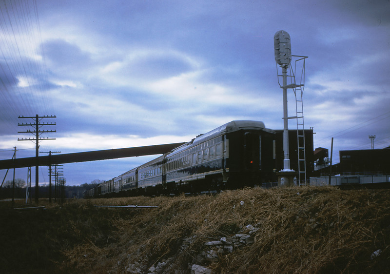 Mopac 69 - Nov 25 1954 - Rear of train 25