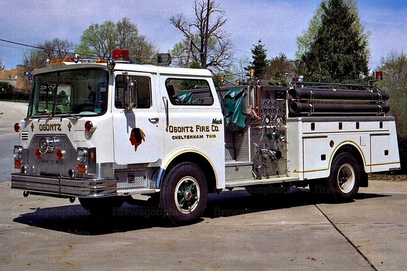 Ogontz: 1980 Mack CF 1500/500