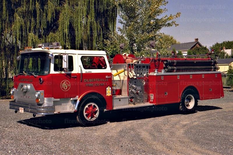 Gilbertsville: 1977 Mack CF 1000/1000
