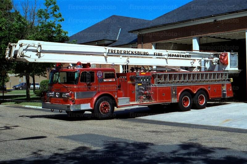 Fredericksburg, Virginia: 1973 Oshkosh/Pierce 1000/0/85 ft.
