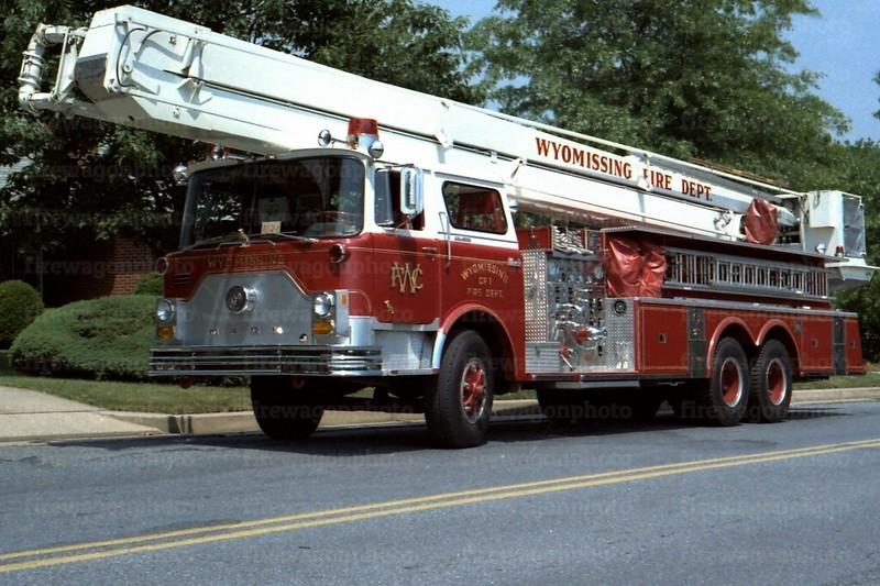 Wyomissing, PA: 1976 Mack CF/Pierce 1000/0/85 ft.