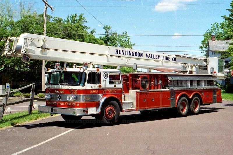 Huntingdon Valley, PA: 1974 Oshkosh/Pierce 85 ft.