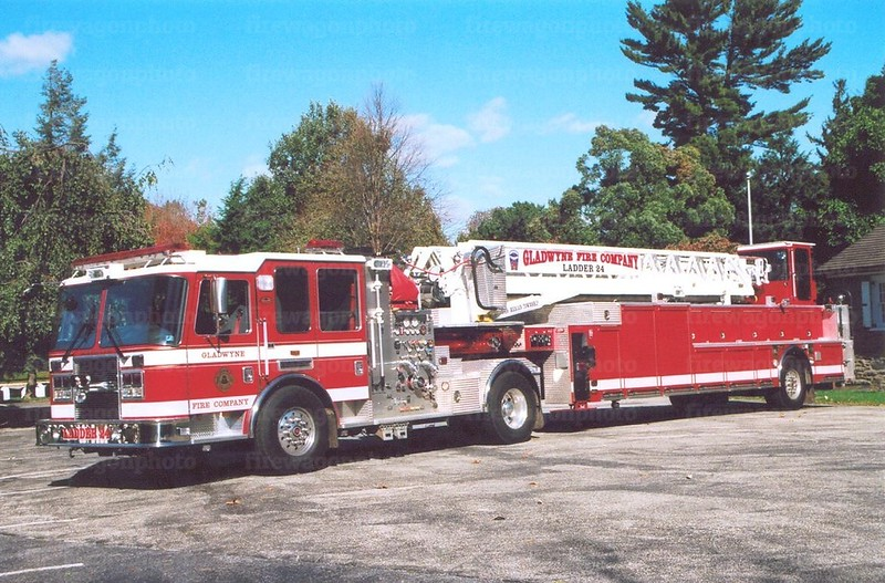 Gladwyne, PA: 2007 KME Predator 2000/350/100'