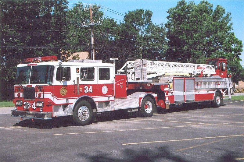 Paxtonia, PA: 1998 Seagrave 100'