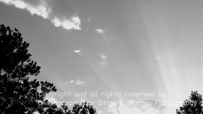 023-sun_rays_sky-warren_co-01aug08-bw-0541
