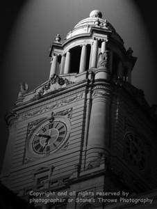 023-courthouse_clock-dsm-22aug06-sepia-abstr-2587