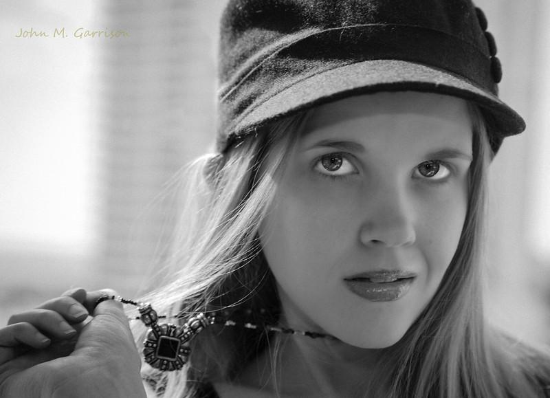 Lauren E Poole