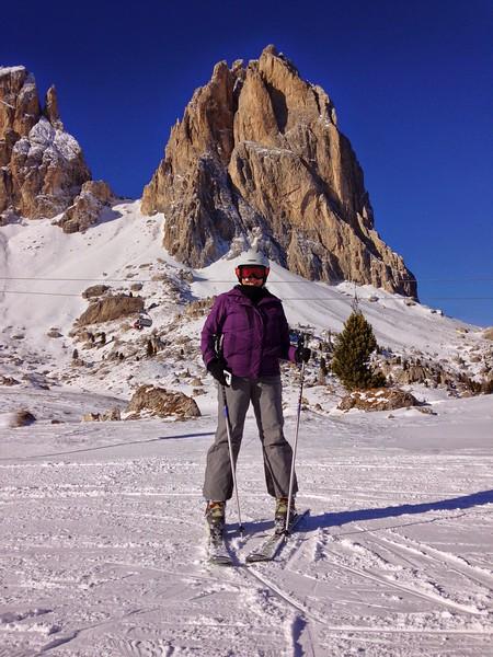 Italy Jackie on skis 2
