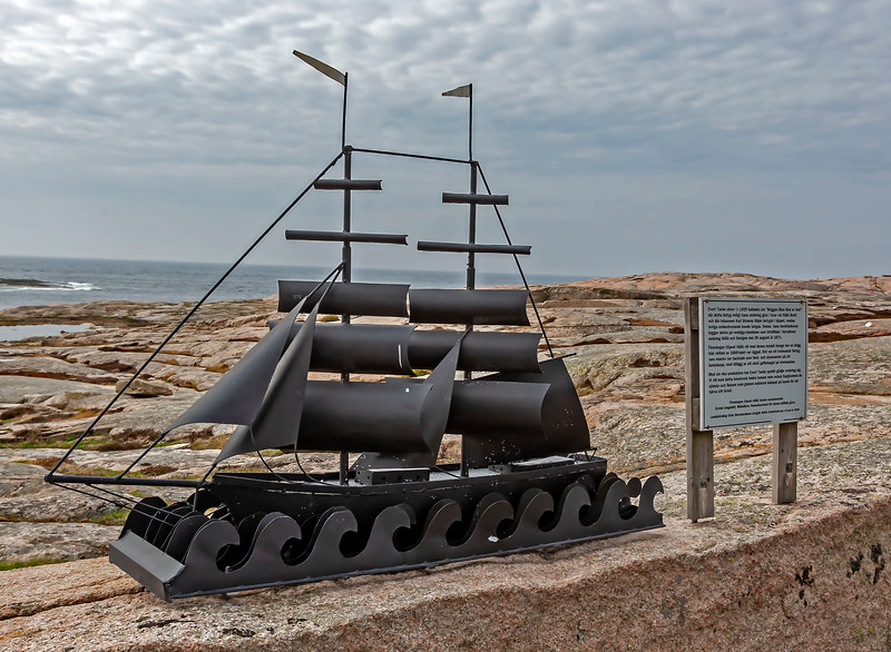 Honour of Evert Taube and the sailors who are lost.