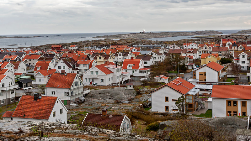 Smögen village, Hållö lighthause in background