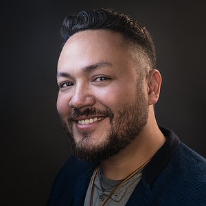 Rob Headshot 2018 1I (Color 1x1 crop smaller NO lights NEW 1000px) 2018_10_2321_12_31www RobCorpuz comEOS 5D Mark IV9999-Edit
