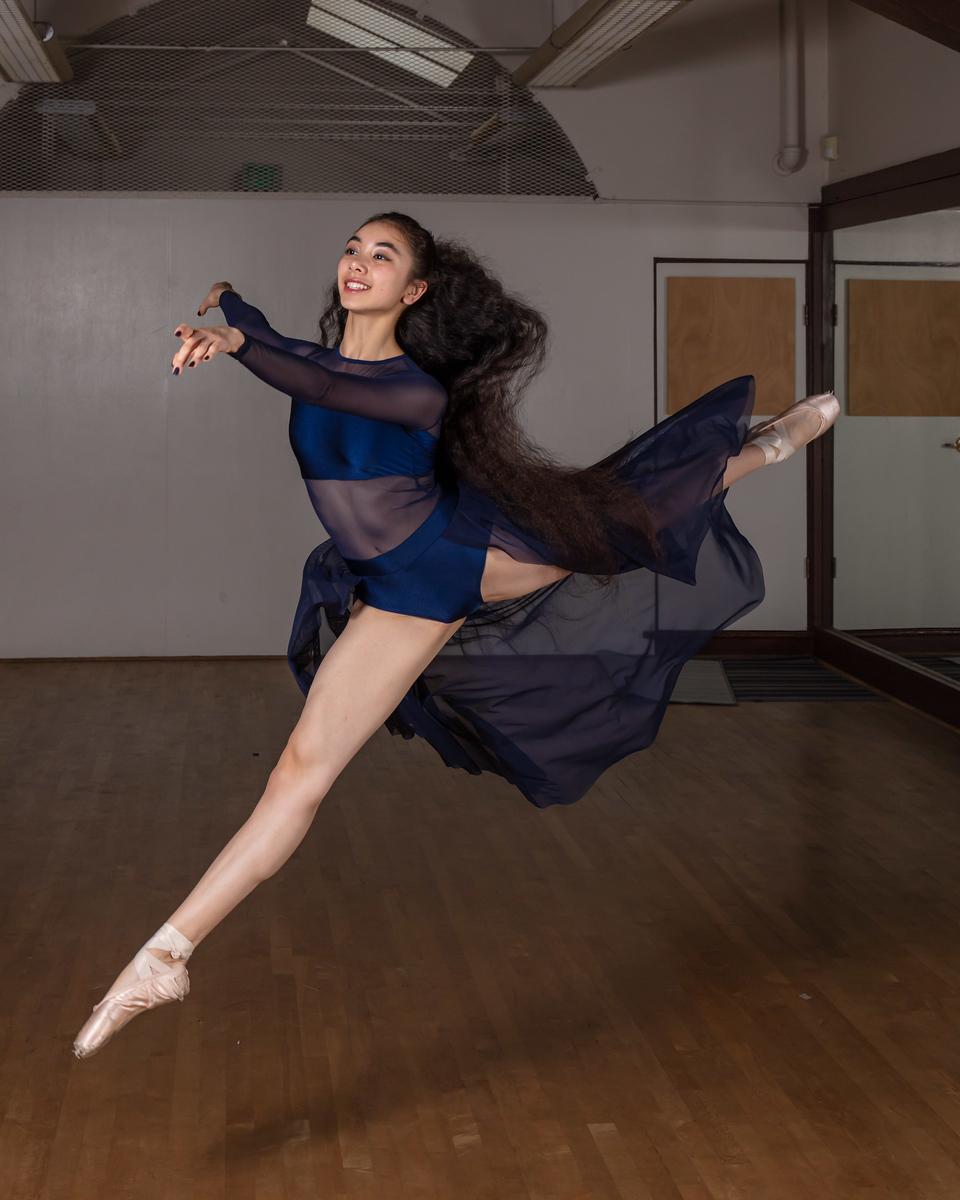 IMAGE: https://photos.smugmug.com/MorganHillPhotoClub/UC-Berkeley-Dance-Studio-Dec-7-2019/i-BnB2z56/0/4a7baf95/X3/Edited-0455-X3.jpg