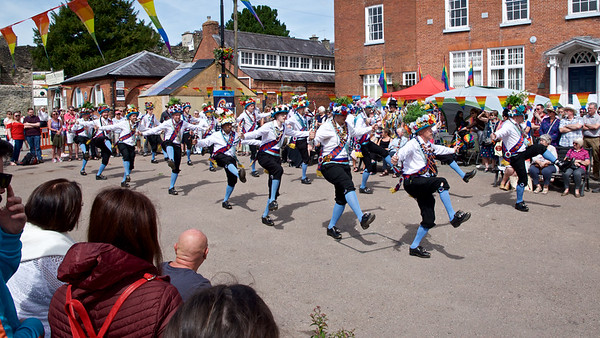 Earlsdon Morris Men in Castle Square