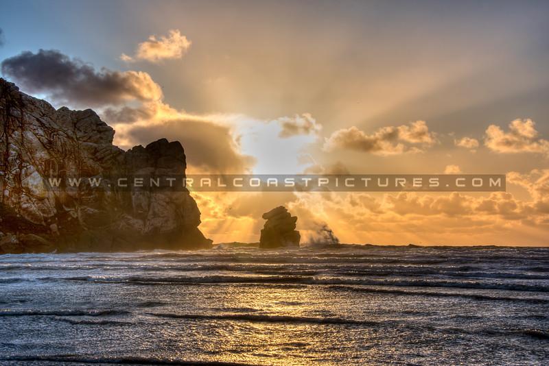 morro bay rock sunrays 3241