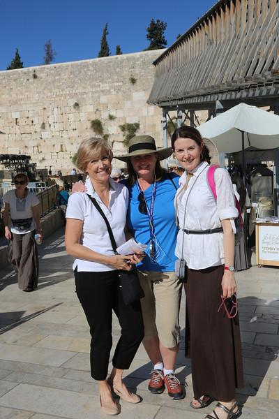 Kathy Francis, Brenda Halbrooks at the Western Wall
