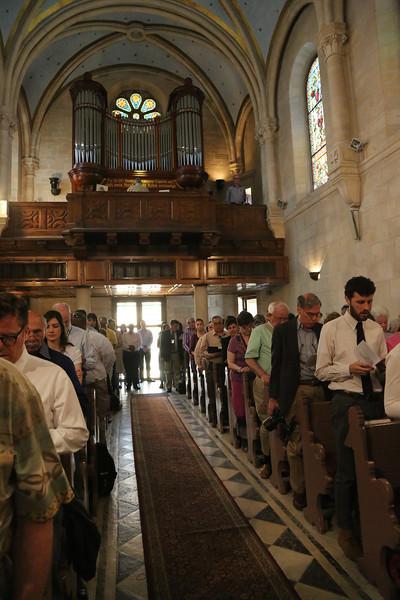 Evangelical Lutheran Christmas Church, worship