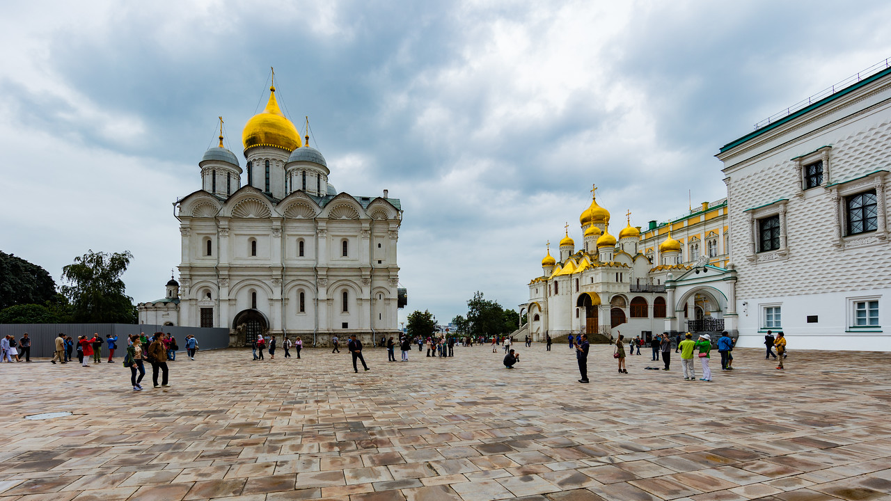 Cathedral of the Archangel (Left) and Cathedral of the Annunciation (Right), inside Kremlin