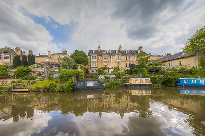 Along Kennet and Avon Canal, Bath, England