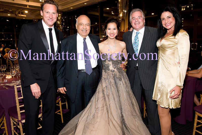 guest, Barry E. Cohen, Chau-Giang Thi Nguyen, Dick and Donna Saloway