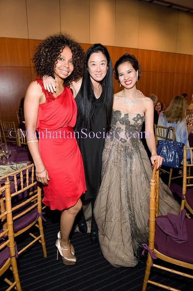 Julie Haynes,Vera Wang, Chau-Giang Thi Nguyen
