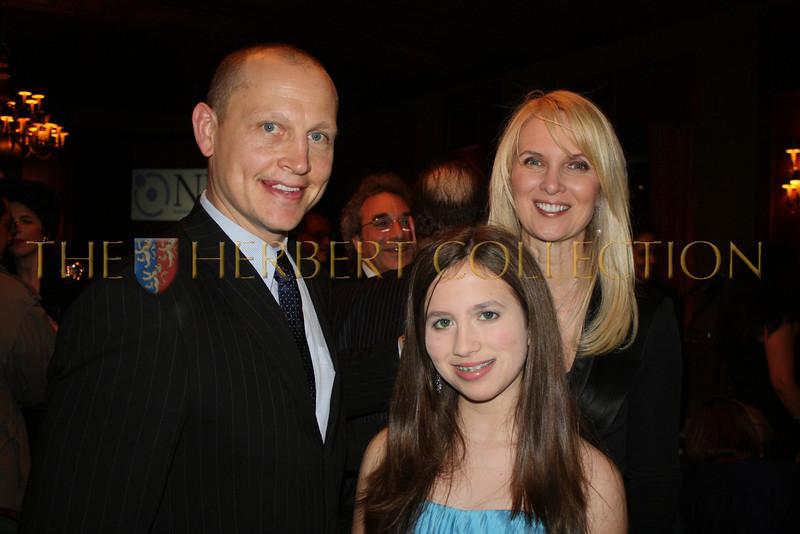 Honoree and Hockey Legend Adam Graves, Alana Galloway and Sara Herbert-Galloway