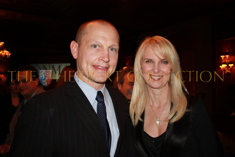 Hockey Legend and Honoree Adam Graves and Chairperson Sara Herbert-Galloway