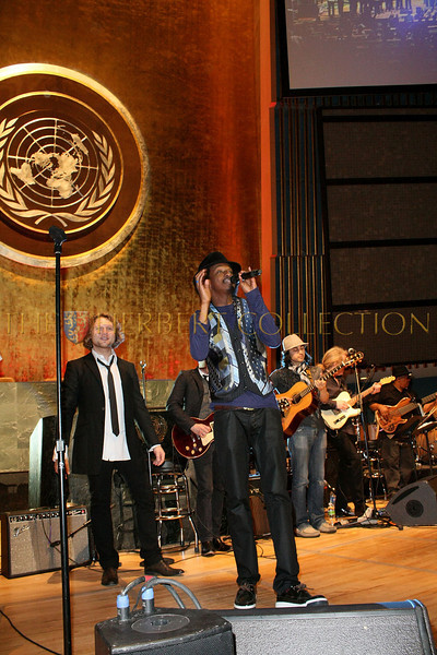 NEW YORK - MARCH 17:  Musician KÕnaan performs on stage at the MDG Awards global launch event at the United Nations building on March 17, 2009 in New York City.  (Photo by Steve Mack/S.D. Mack Pictures) *** Local Caption *** KÕnaan