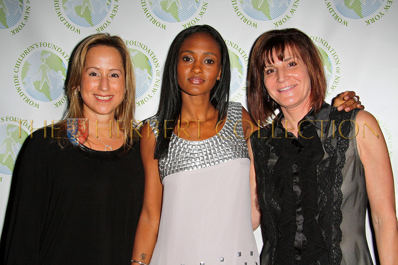 NEW YORK - OCTOBER 2:  Board Member Lisa Singer, Actress Nicole Fiscella and  Worldwide Children's Foundation Executive Director Carolyn Spector attend the Worldwide Children's Foundation Fundraising Gala at The National Arts Club in New York City. (Photo by Steve Mack/S.D. Mack Pictures) *** Local Caption *** Lisa Singer; Actress Nicole Fiscella; Carolyn Spector